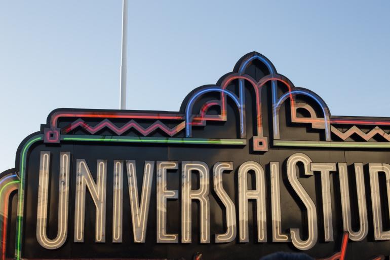 universal-8