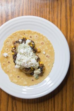 Eats: Quick Black Bean Tacos